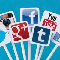 8 Reasons People Use Social Media – Know the reasons!!
